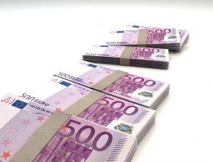 money finance bills 500 300x228 Początek naboru wniosków o dofinansowanie dla firm z województwa małopolskiego!